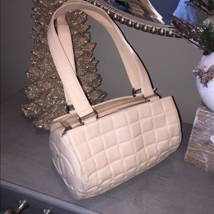 Chanel cream leather hand bag